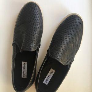 Steve Madden Black Slip-ons